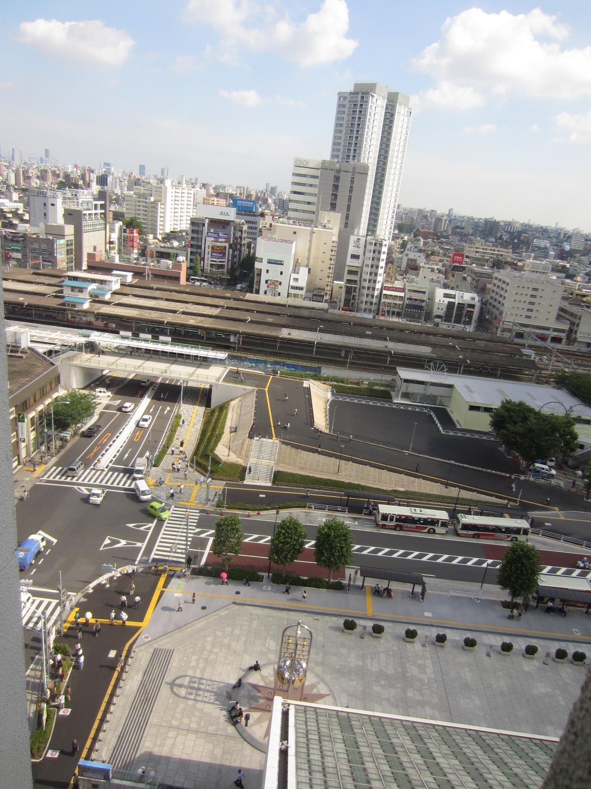 <中野駅>